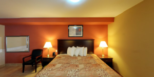 quality-inn-orleans-ottawa-bedroom-2